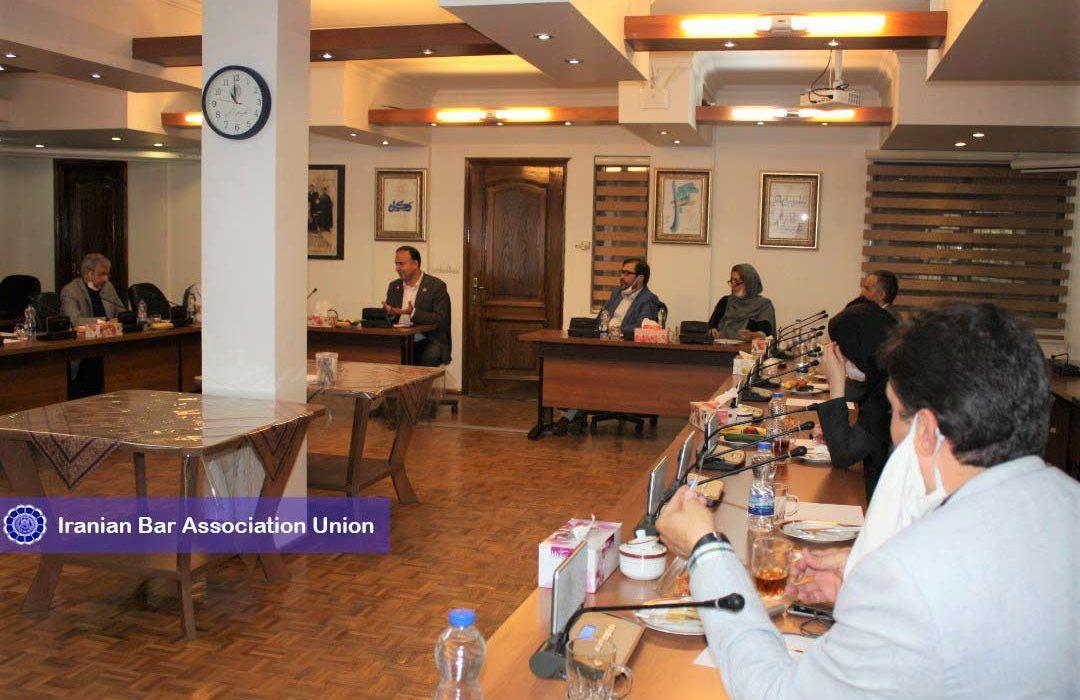 نشست هماندیشی رئیس اتحادیه سراسری کانونهای وکلای دادگستری ایران با اساتید و فعالان حوزه روابط عمومی و رسانه با موضوع تحول در حوزه روابط عمومی اسکودا