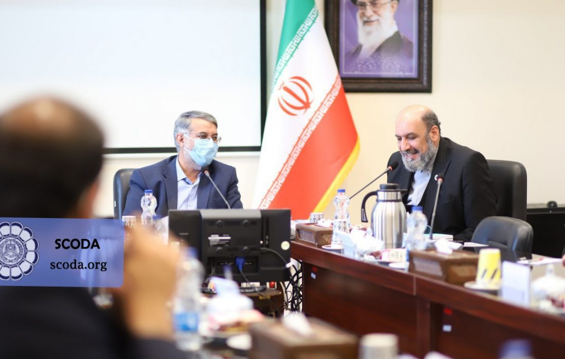 نشست مشترک ریاست اتحادیه سراسری کانونهای وکلای دادگستری ایران با رئیس کل دادگستری استان یزد دکتر دهشیری